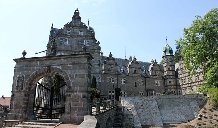 Fuehrung Schloss Haemelschenburg