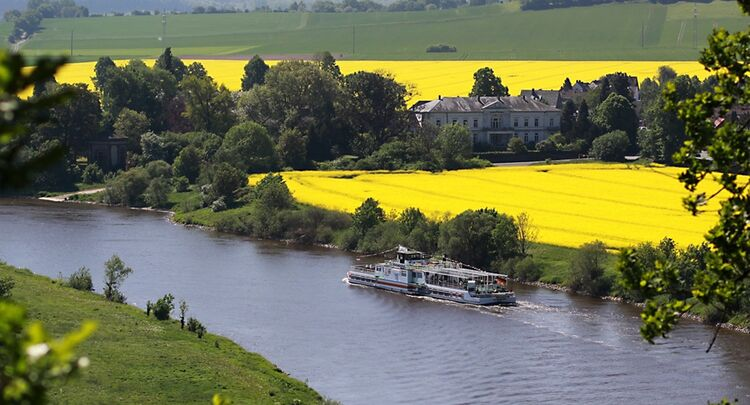 Kultur An Bord Weserschifffahrt Emmerthal Hameln