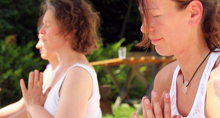 Yoga Bearbeitet